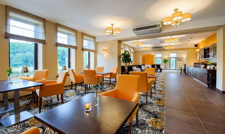 Restauracja w Hotelu trzebnica (2) (Kopiowanie).jpeg