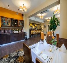 Restauracja w Hotelu trzebnica (Kopiowanie).jpeg
