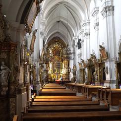 Galeria Międzynarodowe Sanktuarium Św. Jadwigi Śląskiej